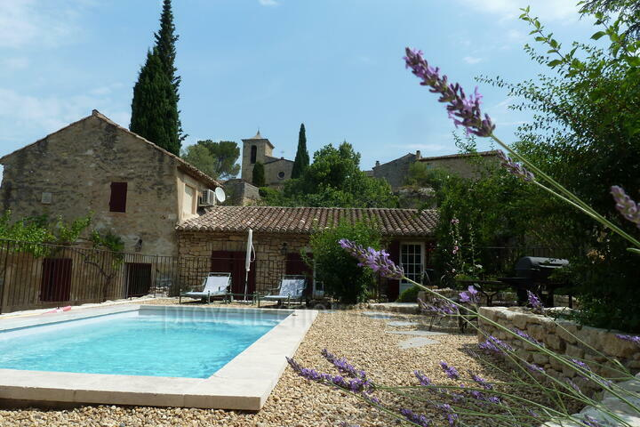 Charming Cottage at the foot of the Luberon