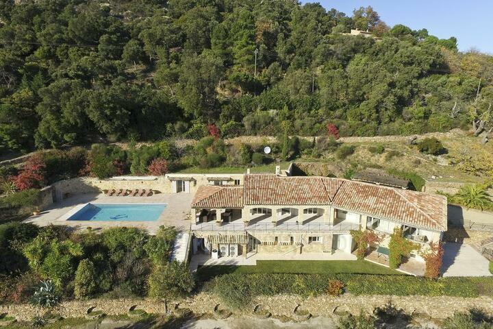 Large Villa with Panoramic Views, South of France