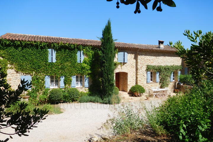 Beautiful large Stone Bastide