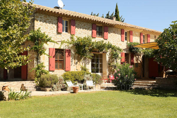 Fantastic Holiday Rental House a stones throw from Lourmarin