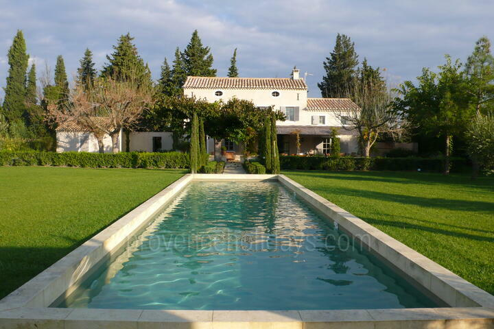 Holiday Home to rent with Air Conditioning in the Alpilles