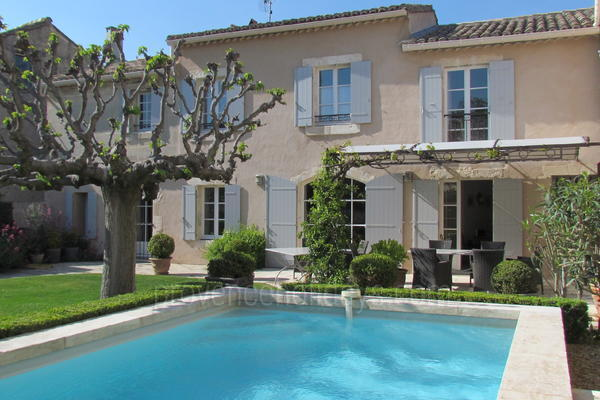 Superb House with Air Conditioning in Maussane-les-Alpilles in the Alpilles