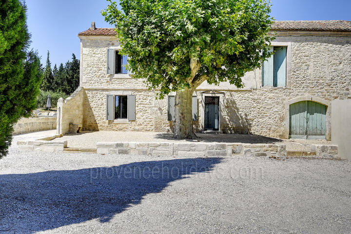 Newly refurbished Provençal farmhouse