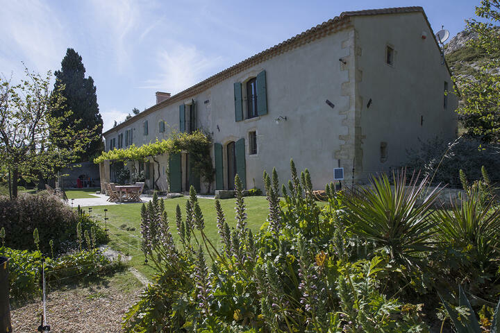 Spacious Maussane les Alpilles Holiday Rental