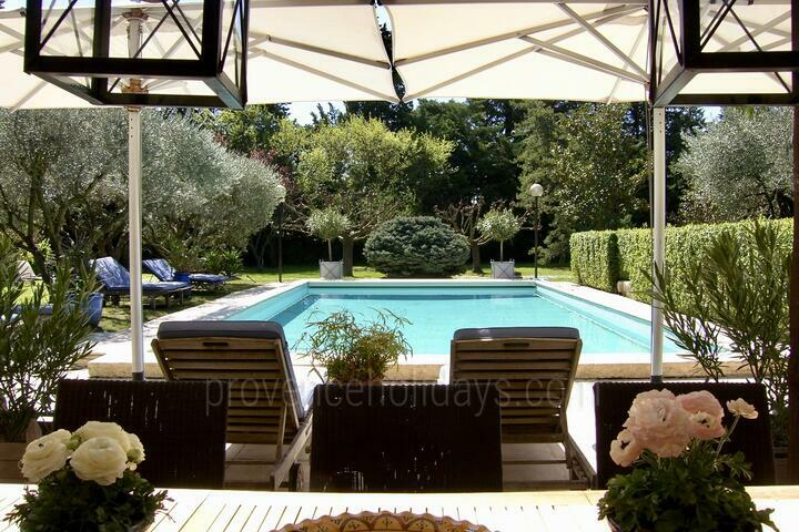 Holiday villa in Noves, Alpilles