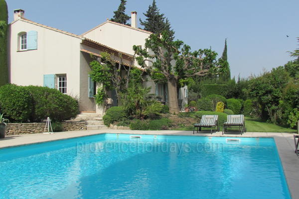 Stunning Pet-friendly House with Air Con in Paradou