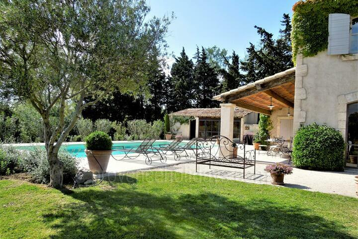 Holiday villa in Paradou, Alpilles