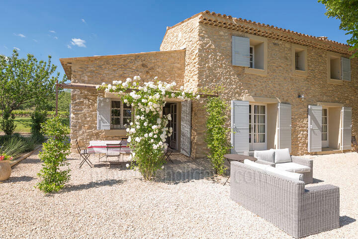 Charming Holiday Rental in Peypin d'Aigues