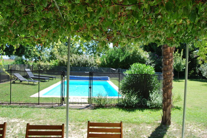 Holiday villa in Pernes-les-Fontaines, Mont Ventoux