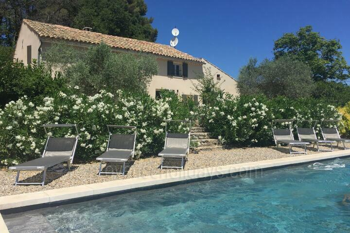 Recently Refurbished Holiday Rental in the Luberon