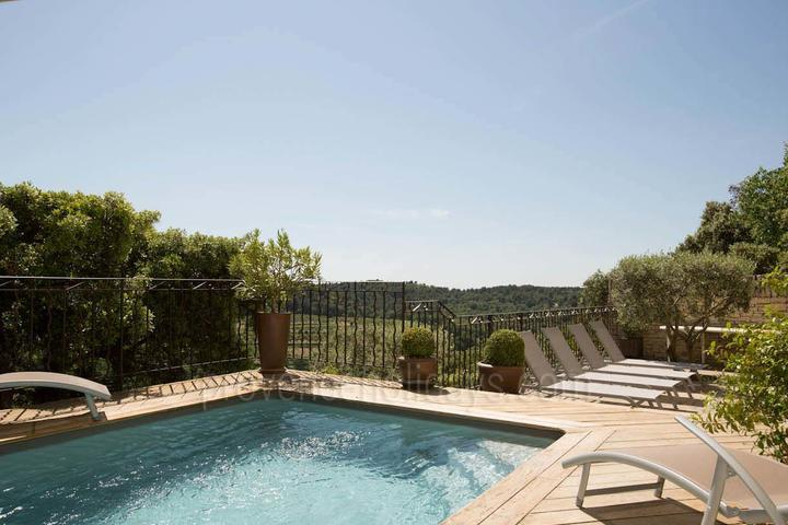 Holiday villa in La Roque-sur-Pernes, Mont Ventoux