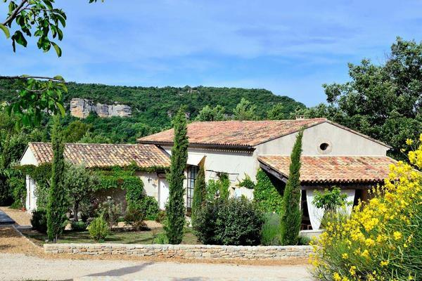 Pet-friendly Holiday Rental Bastide near Apt