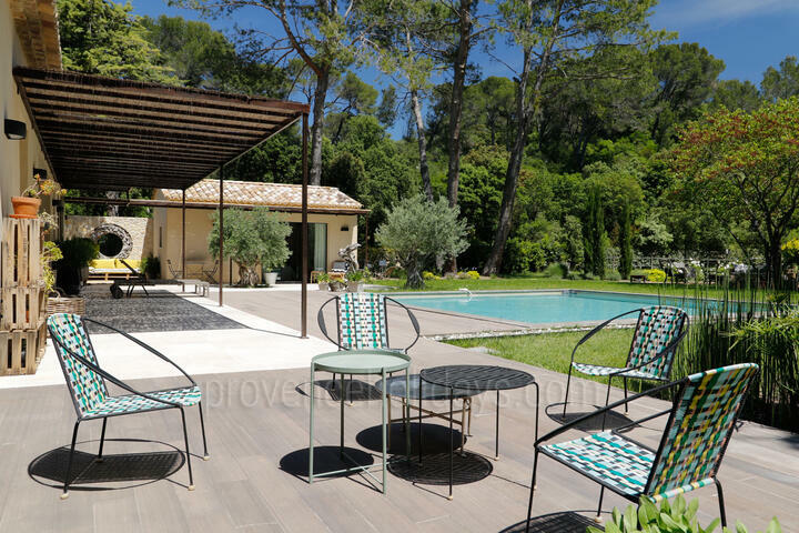 Provence Holiday Rental Villa in the Alpilles