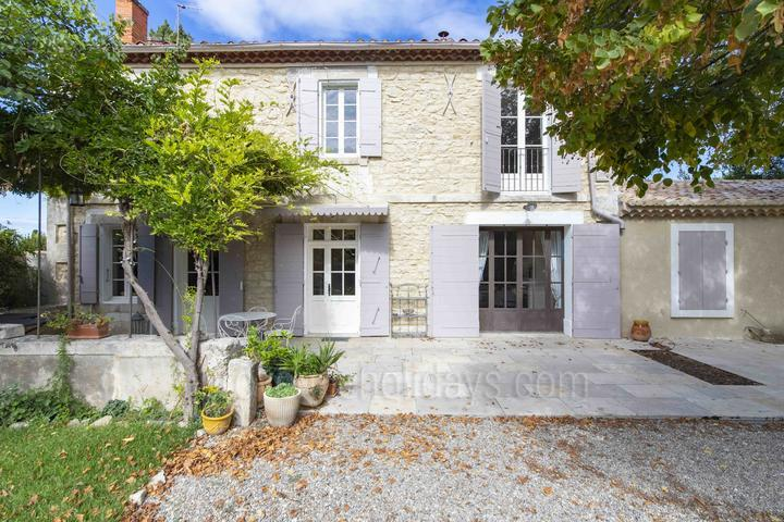 Holiday villa in Saint-Étienne-du-Grès, Alpilles