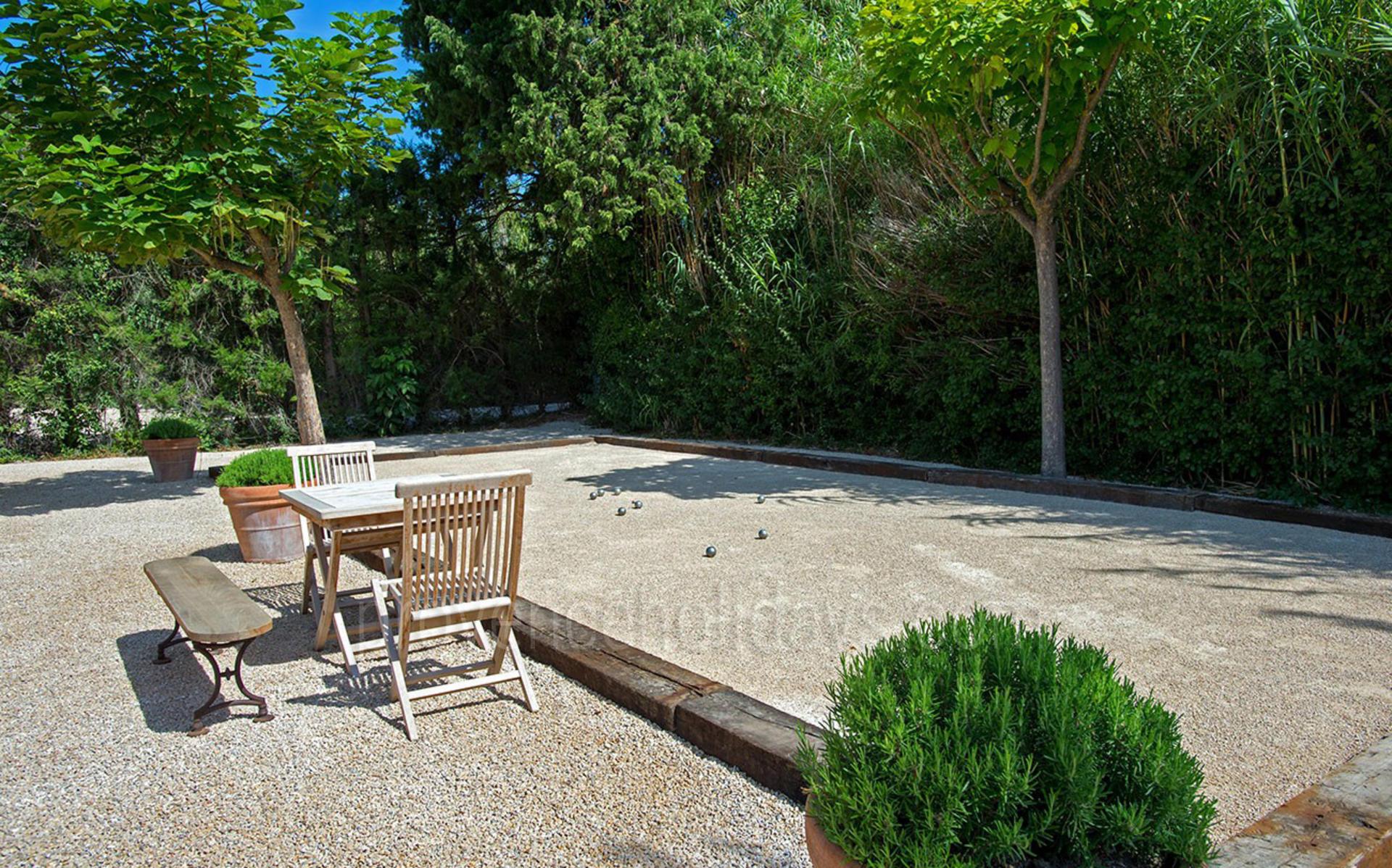 location de vacances en saint remy de provence alpilles le mas du paradis provence holidays. Black Bedroom Furniture Sets. Home Design Ideas