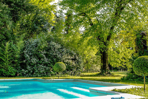 Spacious Exceptional House to rent in Saint-Rémy-de-Provence in the Alpilles