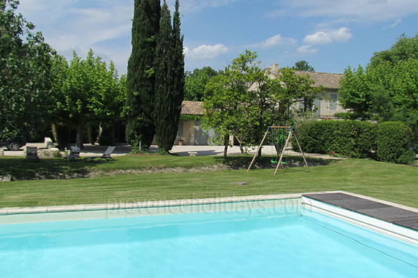 Pet-friendly Holiday Home to rent in Saint-Rémy-de-Provence in the Alpilles