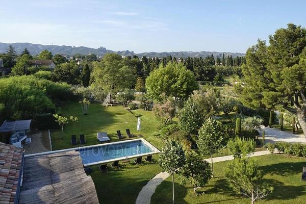 Large Luxury Holiday Rental Villa in Saint-Rémy-de-Provence in the Alpilles