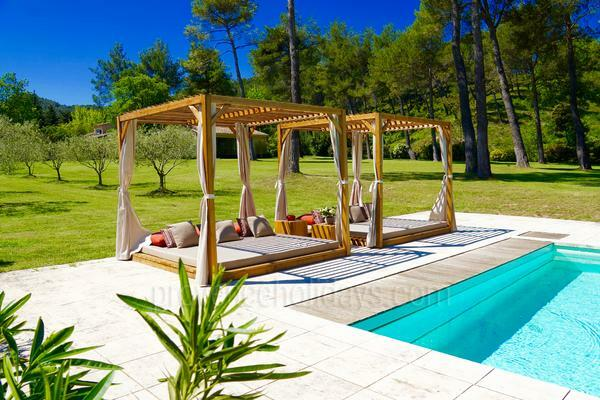 Large Luxury Contemporary Holiday Rental House in Saint-Rémy-de-Provence in the Alpilles