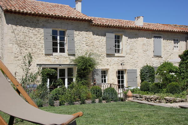 Pet-friendly Typical Provençal House with Air Conditioning in Saint-Rémy-de-Provence