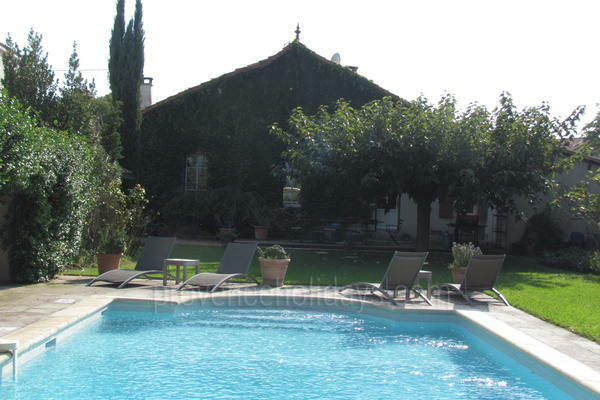 Vacation Rental with Air Conditioning within walking distance to Saint-Rémy-de-Provence