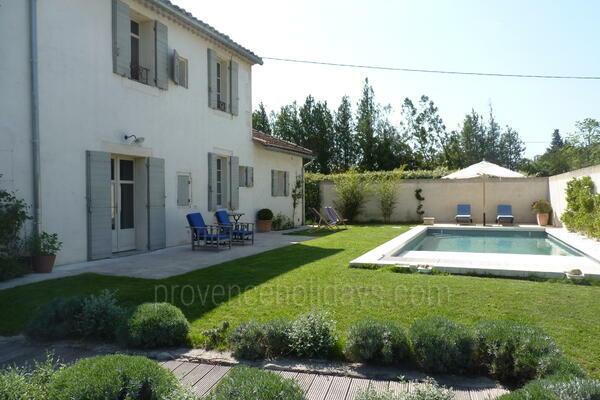Location de vacances saint remy de provence alpilles superbe maison de vacances en location - Accrobranche salon de provence ...