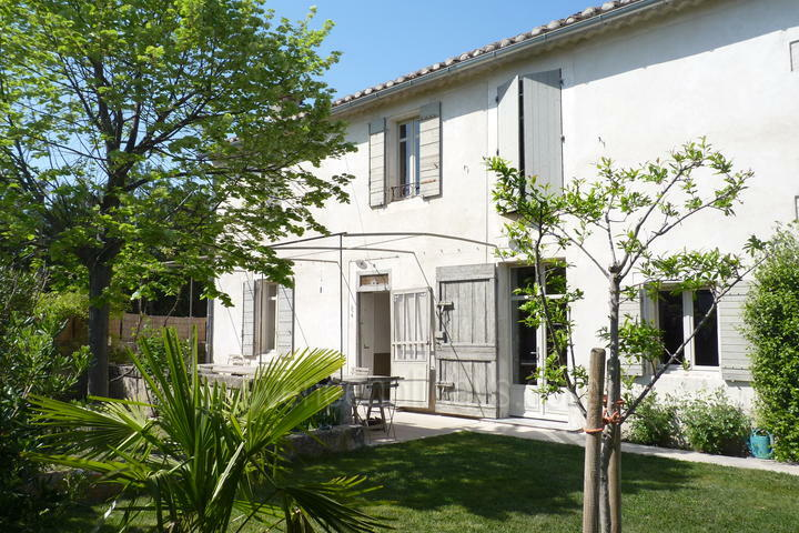 Superb House to rent within walking distance to Saint-Rémy-de-Provence