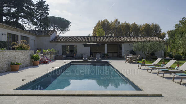 Chez Elea: Swimming Pool - 14