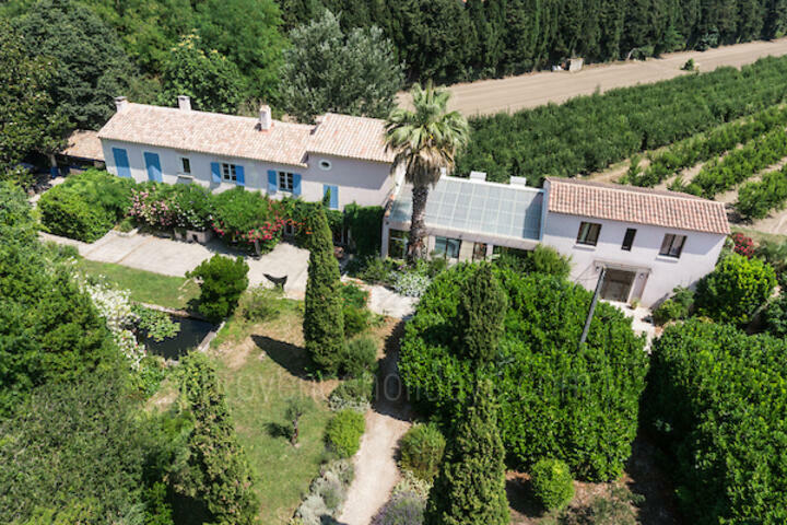 Restored Villa with Indoor and Outdoor Pools in Tarascon
