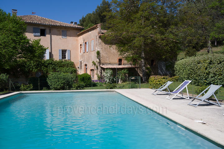 Holiday villa in Venasque, Mont Ventoux