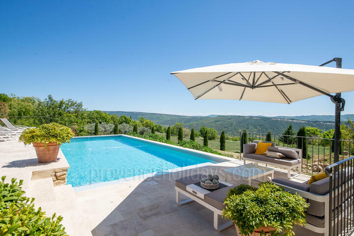 Holiday villa in Viens, Luberon