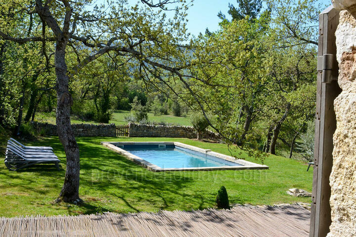 Holiday villa in Lacoste, Luberon