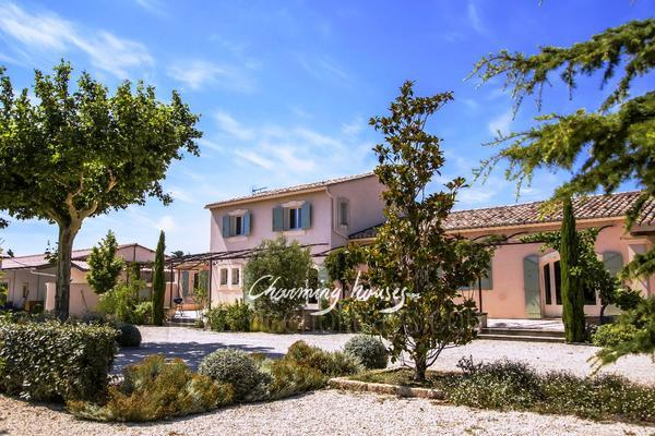 Pet-friendly Property to rent in Maussane-les-Alpilles in the Alpilles