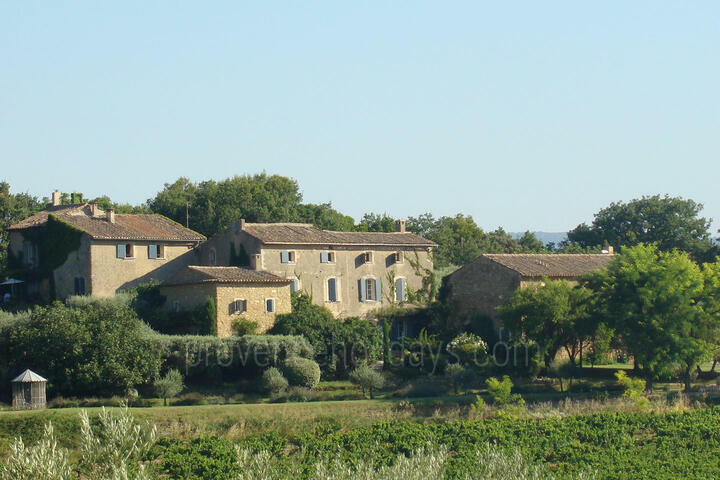 Private Holiday Cottages with Swimming Pool, in the Luberon