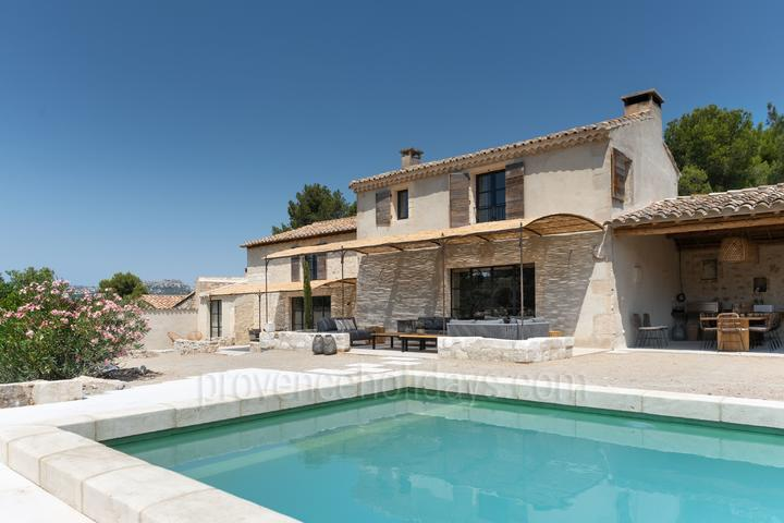 Luxury Holiday Rental in Les Baux