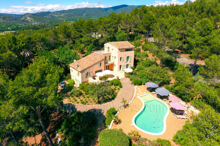 Holiday Rental Villa with Heated Pool in the Luberon