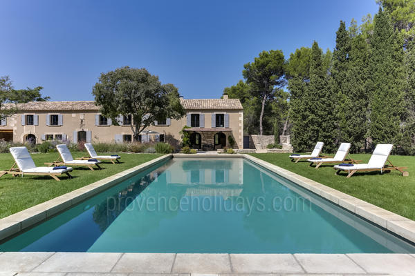 Large House to rent with Air Conditioning in Saint-Rémy-de-Provence